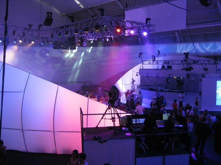 Hlavní  projekční plocha v CZECH HOUSE s tagtool videoprojekcí
